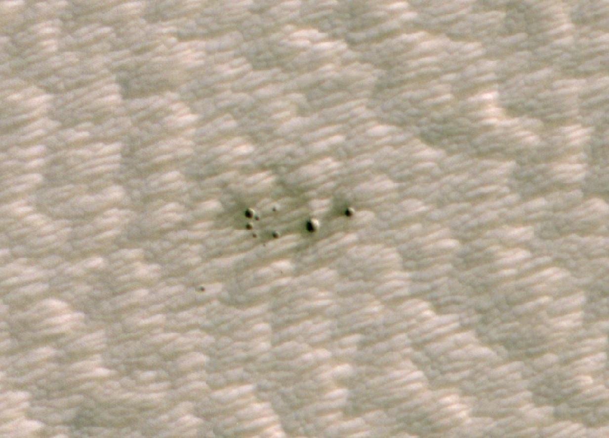 Cráteres de Marte detectados en primera instancia por una IA