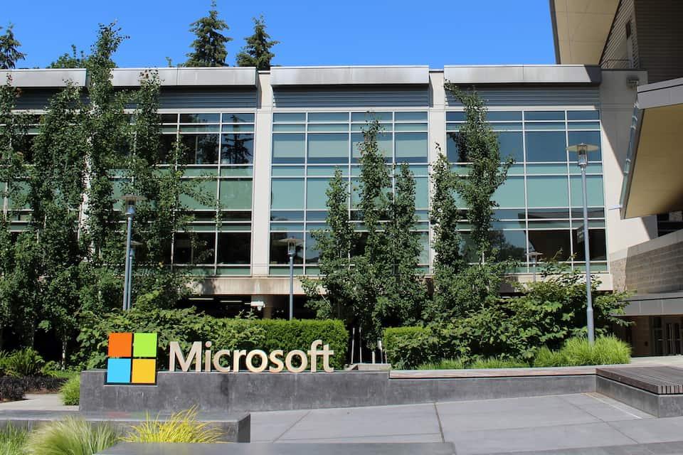 Microsoft apuesta por el empleo juvenil en España