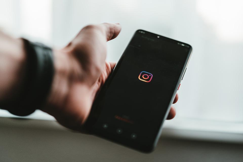 Adam Mosseri, el director de Instagram, mostró en una entrevista su actual descontento con Reels, el formato competidor de la exitosa app TikTok