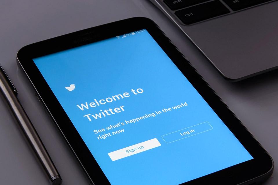 Según unas filtraciones, Twitter estaría ya trabajando en la integración de las características de Revue dentro de su página web: Twitter.com